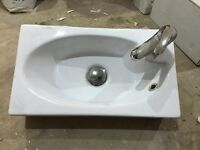 CLOAKROOM BASIN - Wall hung - with tap