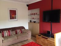 Fully Furnished Flat to LET - one bed upper cottage, excellent condition! Available 15th October