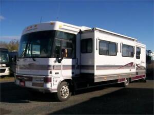 1999 Winnebago Adventurer 35 Feet