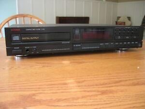 Luxman D-112 CD Player
