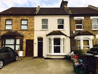 Newly Decorated 3 Bed House with 2 bathrooms and Off Street Parking