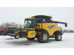 2010 NEW HOLLAND CR9070 W/ 16' 76C SWATHMASTER **REDUCED**