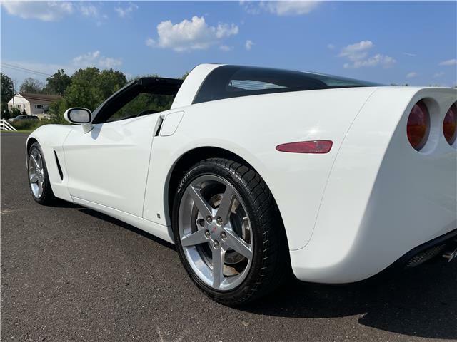 2006 White Chevrolet Corvette  3LT   C6 Corvette Photo 10