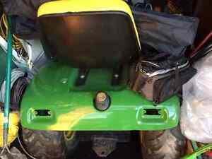 John Deere Riding Lawn Mower for Sale Sarnia Sarnia Area image 2