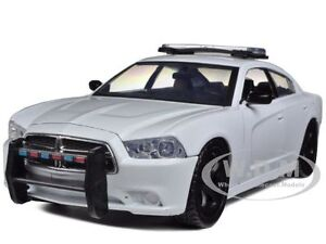 2011 DODGE CHARGER PURSUIT UNMARKED BLANK WHITE POLICE CAR 1/24 MOTORMAX 76934