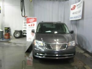 2015 Chrysler Town & Country Touring DVD