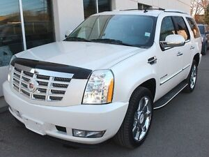 2012 Cadillac Escalade ULTRA LUXURY AWD FULLY LOADED WHITE DIAMO