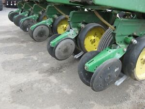 John Deere 7000 Planter Cambridge Kitchener Area image 11