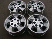 "4-16"" 6 STUDx5.5(139.7)GM TRUCK ALLOY RIMS WITH CENTRE CAPS"