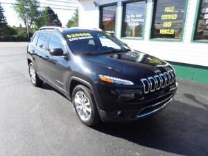 2016 Jeep Cherokee Limited 4X4 V6 only $235 bi-weekly all in!
