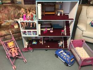 Kids Doll House and Accessories