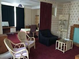 Exceptional Large Ensuite One Bedroom Flat