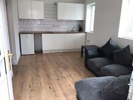 1 bed flat all bills included near town!