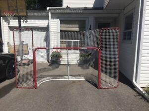 FULL SIZE HOCKEY NET WITH REBOUNDER