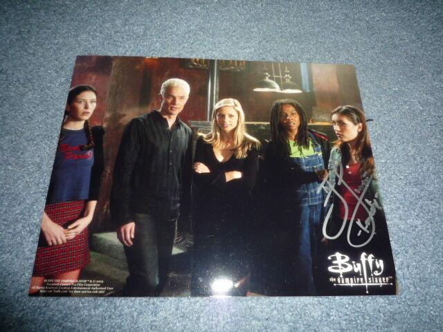 IYARI LIMON signed autograph In Person 8x10 (20x25 cm ) BUFFY THE VAMPIRE SLAYER