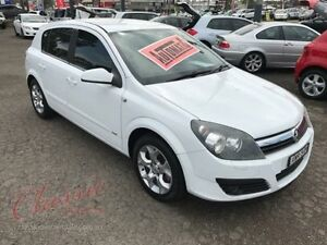 2006 Holden Astra AH MY06 CD White 4 Speed Automatic Hatchback Lansvale Liverpool Area Preview