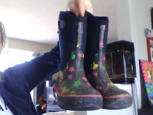 Used Bogs Girls Boots - Size 3