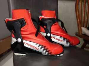 NEW Mens Atomic Racing Skate Boots size 7