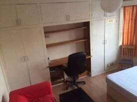 Room in Finchley Central/4 mins walk to tube £500