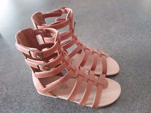 New Size 9 toddler sandals