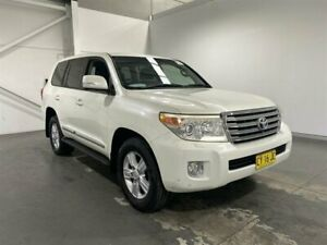 2012 Toyota Landcruiser VDJ200R 09 Upgrade Sahara (4x4) Crystal White Pearl 6 Speed Automatic Wagon Beresfield Newcastle Area Preview