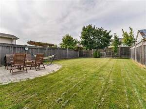 WELCOME HOME THIS FASTANTIC 3 BED/3BATH HOME WHITBY