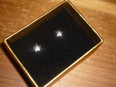 BEAUTIFUL 18CT WHITE GOLD 5 POINT STAR AND DIAMOND EARRINGS