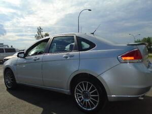 2009 Ford Focus SES LUXURY SPORT PKG-LEATHER-SUNROOF-CLEAN Edmonton Edmonton Area image 4