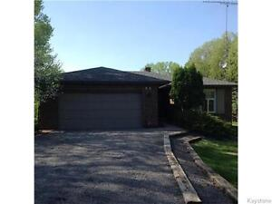 INCREDIBLE E. SELKIRK HOME - INCREDIBLE LIFESTYLE!!  MUST SEE!!