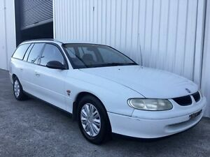 1998 Holden Commodore VT Executive White 4 Speed Automatic Wagon Parkwood Gold Coast City Preview