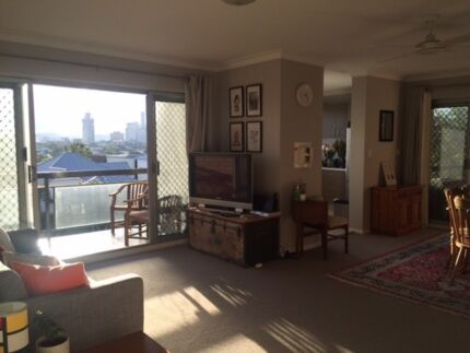 Room Available in Modern Inner City Unit East Brisbane Brisbane South East Preview