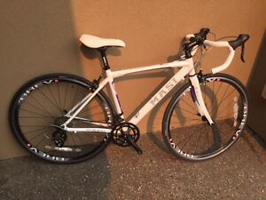 ROAD BIKE F/S ALL MOST NEW (size small 47)