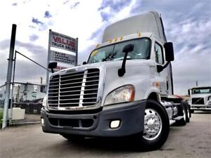 2012 Freightliner Cascadia Day Cab 450HP