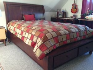 Solid Wood Queen Bed