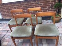 Parker Knoll Oval extendable table and 4 chairs- Urgent