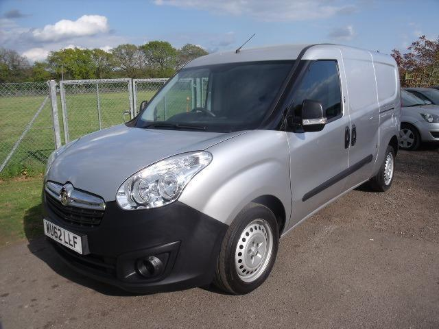 VAUXHALL COMBO 2300 L2H1 CDTI - ONE OWNER, Silver, Manual, Diesel, 2012