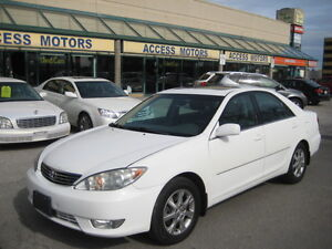 2005 Toyota Camry XLE, Only 121k, Leather, Sunroof, Like New