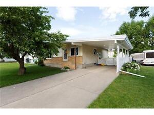Awesome house in Coaldale! Look no further!