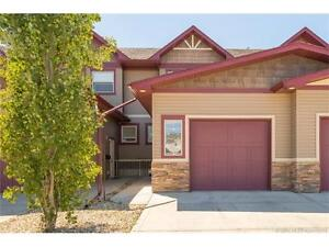 IRONSTONE AREA, IMMACULATE TOWNHOUSE