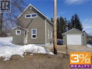 R36/Minnedosa/1200 sqft adorable 1 1/2 storey home~ by 3% Realty