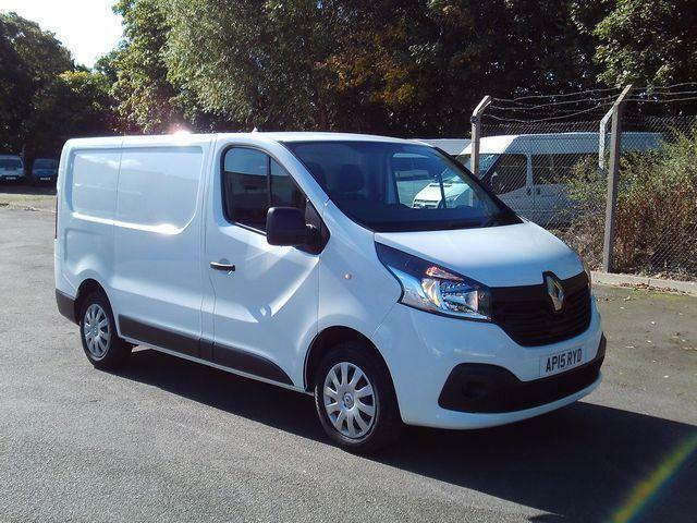 9e7a94d03c3b69 Renault Trafic Sl27dci 115 Business+ Van DIESEL MANUAL WHITE (2015)