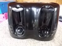 4 SLICE TOASTER AS NEW CONDITION