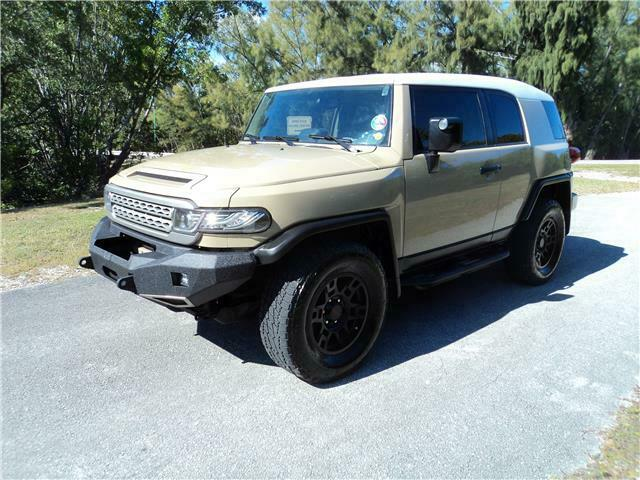 Image 1 Voiture American used Toyota FJ Cruiser 2013
