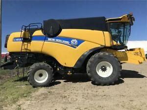 2016 New Holland CX8.80 Combine