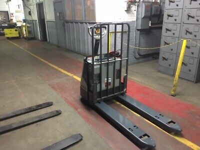 2015 Crown 4500 Lb Electric Pallet Jack With Built In Charger 27x48