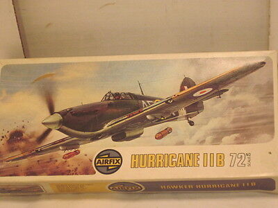 A OLD CURTISS PLASTIC AIRFIX HURRICANE 11B MODEL KIT AIRPLANE MILITARY