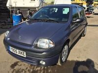 Renault Clio diesel 2001, starts and drives very well, MOT until 13th October, clean inside and out,