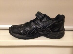 Kids ASIC GEL runners size US K 12 Fawkner Moreland Area Preview