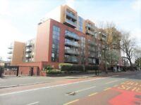 2 bedroom flat in Westgate House, London Road, Isleworth, TW7