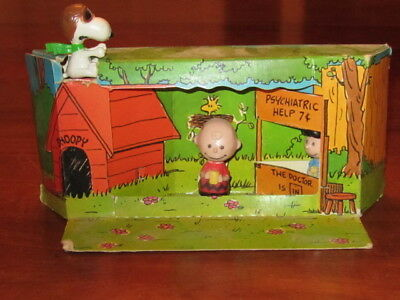Vintage SNOOPY CHARLIE BROWN LUCY pvc Peanuts FIGURES  UNITED FEATURE 1960's